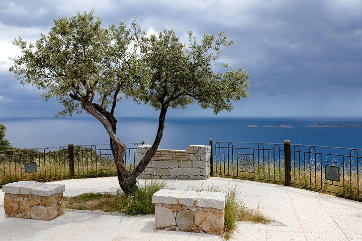 Luxusní dovolená na Sardinii post thumbnail image